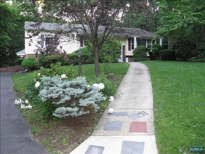 Upper Saddle River Single Family Home Under Contract: 15 Arrowhead Drive