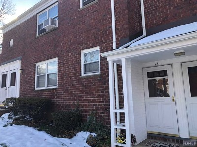 Hackensack Condo/Townhouse Under Contract: 461 Heath Place #22