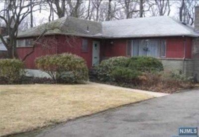 Englewood Single Family Home Under Contract: 362 North Woodland Street