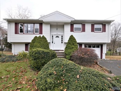 Passaic County Single Family Home Under Contract: 26 Thornton Drive