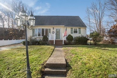 Passaic County Single Family Home Under Contract: 30 Hunter Place