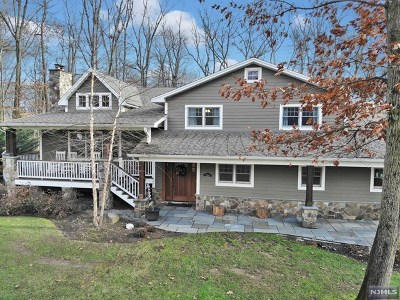 Wyckoff Single Family Home Under Contract: 366 Harvey Court