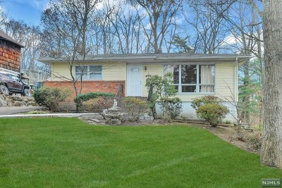 Passaic County Single Family Home Under Contract: 27 Short Place