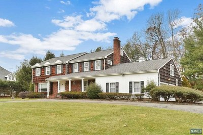 Franklin Lakes Single Family Home Under Contract: 315 Feather Lane
