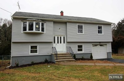 West Milford Single Family Home Under Contract: 17 Mohawk Trail