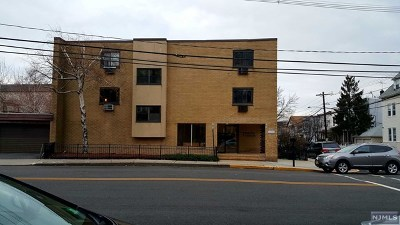North Bergen Condo/Townhouse Under Contract: 7117 Park Avenue #C1 (18)