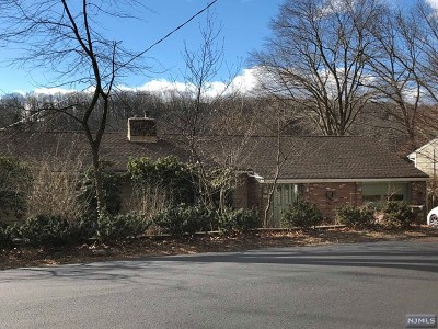 West Milford Single Family Home Under Contract: 127 High Crest Drive