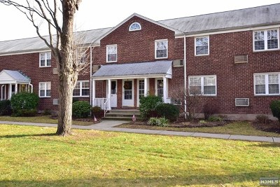 Rutherford Condo/Townhouse Under Contract: 32 Clark Court