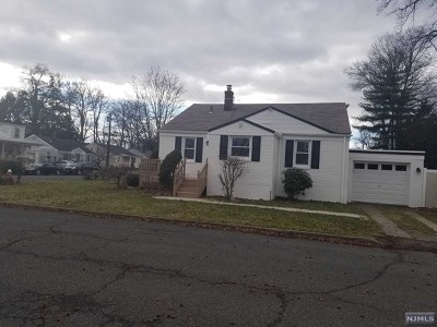 Bergenfield NJ Single Family Home Under Contract: $349,999