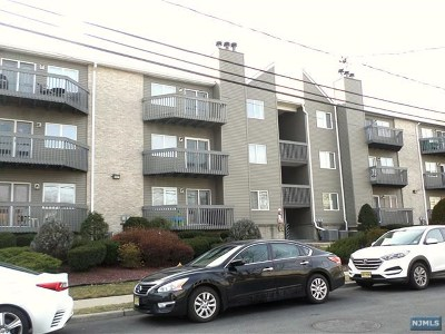 Hackensack Condo/Townhouse Under Contract: 19 Jefferson Street #1b