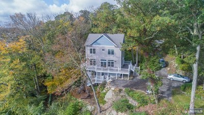 West Milford Single Family Home Under Contract: 6 Milton Court