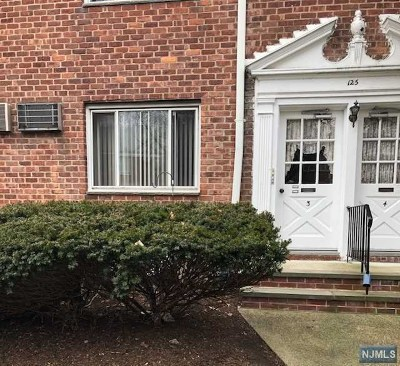 Bergenfield Condo/Townhouse Under Contract: 125 East Clinton Avenue #3a