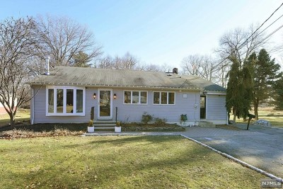 Pompton Lakes Single Family Home Under Contract: 1247 Ringwood Avenue