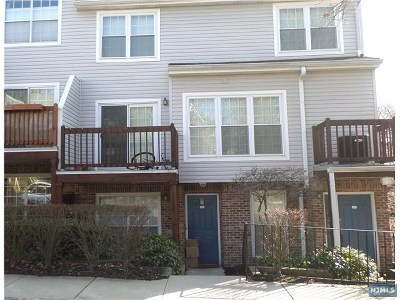 Fort Lee NJ Condo/Townhouse Under Contract: $299,000