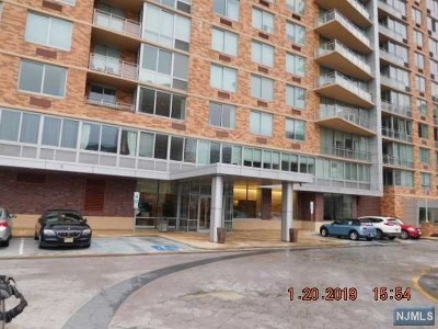 Edgewater Condo/Townhouse Under Contract: 512 Hudson Park #512