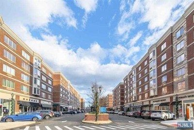 Edgewater Condo/Townhouse Under Contract: 5502 City Place