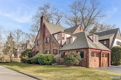 Fair Lawn Single Family Home Under Contract: 2 Bedford Place