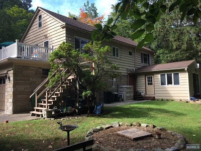 Hawthorne Multi Family 2-4 Under Contract: 185 Goffle Hill Road