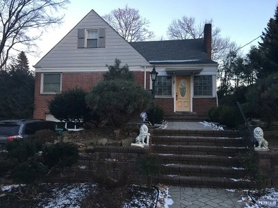 Leonia Single Family Home Under Contract: 165 Reldyes Avenue
