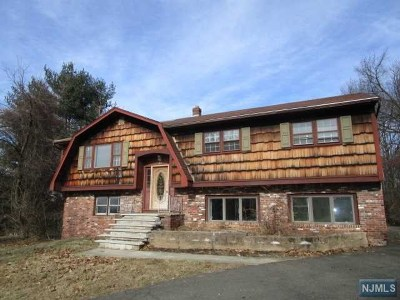 Passaic County Single Family Home Under Contract: 53 Towsen Road