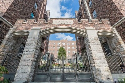 Englewood Condo/Townhouse Under Contract: 275 Engle Street #E1
