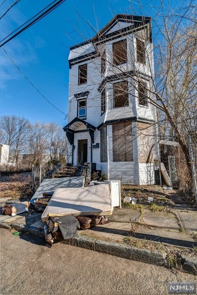 Essex County Multi Family 2-4 Under Contract: 374 21st Street