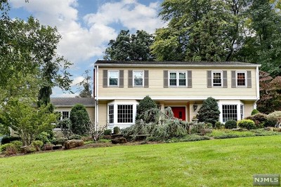 Upper Saddle River Single Family Home Under Contract: 22 Possum Trail
