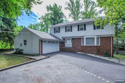 Englewood Cliffs Single Family Home Under Contract: 45 Karens Lane
