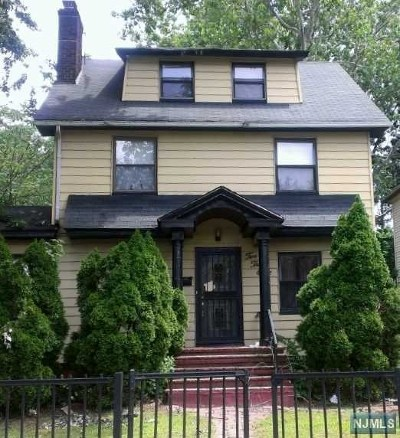 Essex County Single Family Home Under Contract: 238 North Clinton Street