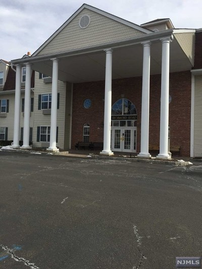 West Milford Condo/Townhouse Under Contract: 1211 Richmond Road #211