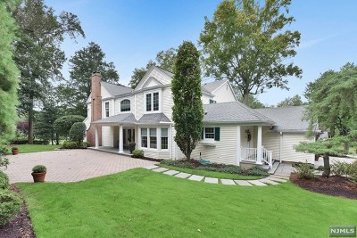 Oradell Single Family Home Under Contract: 704 Blauvelt Drive
