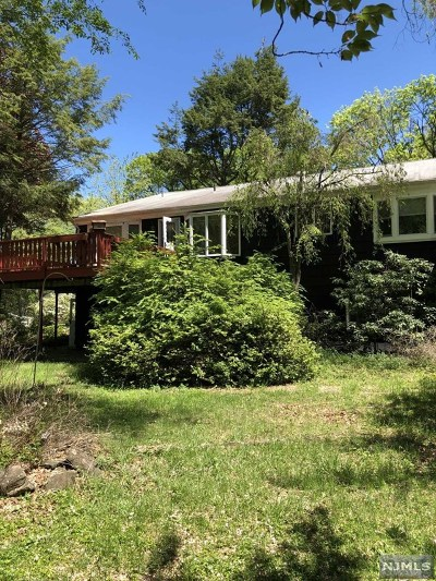 Bergen County Single Family Home Under Contract: 30 Ravine Drive