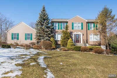 West Milford Single Family Home Under Contract: 52 Rockburn Pass
