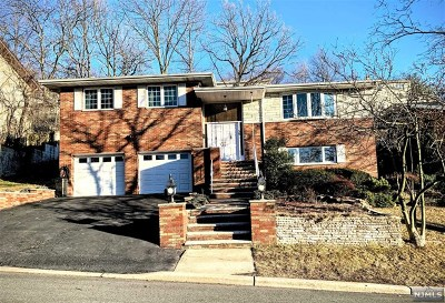 Englewood Cliffs Single Family Home Under Contract: 59 Birch Street