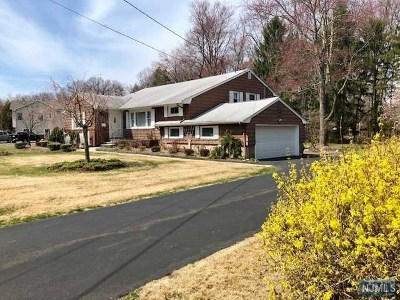 Wyckoff Single Family Home Under Contract: 473 Caldwell Drive