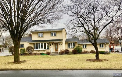 Paramus Single Family Home Under Contract: 142 Arundel Road