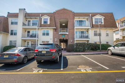 Edgewater Condo/Townhouse Under Contract: 200 Crown Court #411