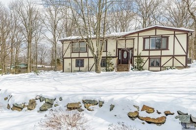 West Milford Single Family Home Under Contract: 148 Rolling Ridge Road