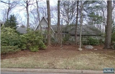 Franklin Lakes Single Family Home Under Contract: 593 Huckleberry Lane