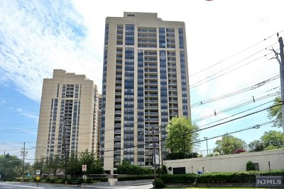 Fort Lee Condo/Townhouse Under Contract: 800 Palisade Avenue #804