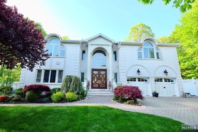 Paramus NJ Single Family Home Under Contract: $1,275,000