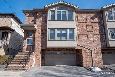 Fairview Condo/Townhouse Under Contract: 385b Roosevelt Street