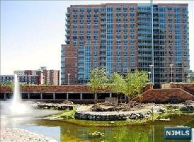 Edgewater Condo/Townhouse Under Contract: 1211 Hudson Park #1211