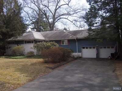 Hillsdale Single Family Home Under Contract: 66 Oak Trail Road