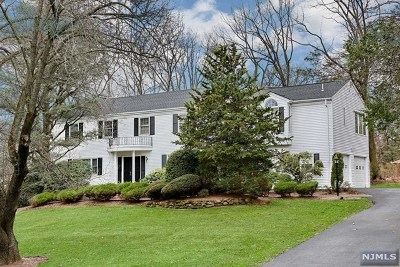 Woodcliff Lake Single Family Home Under Contract: 17 Blueberry Drive