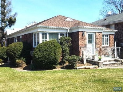 Fort Lee Single Family Home Under Contract: 1000 Inwood Terrace
