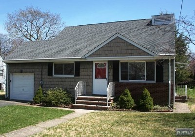 New Milford Single Family Home Under Contract: 195 Oak Lane
