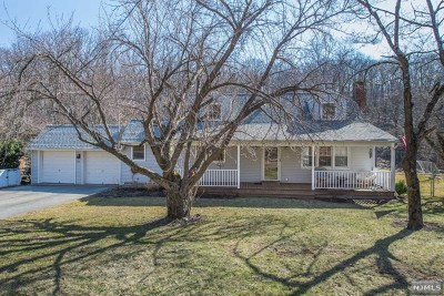 West Milford Single Family Home Under Contract: 352 Otterhole Road