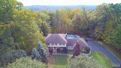 Franklin Lakes Single Family Home Under Contract: 717 Natures Way