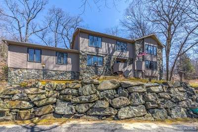 Passaic County Single Family Home Under Contract: 23 Reservoir Drive